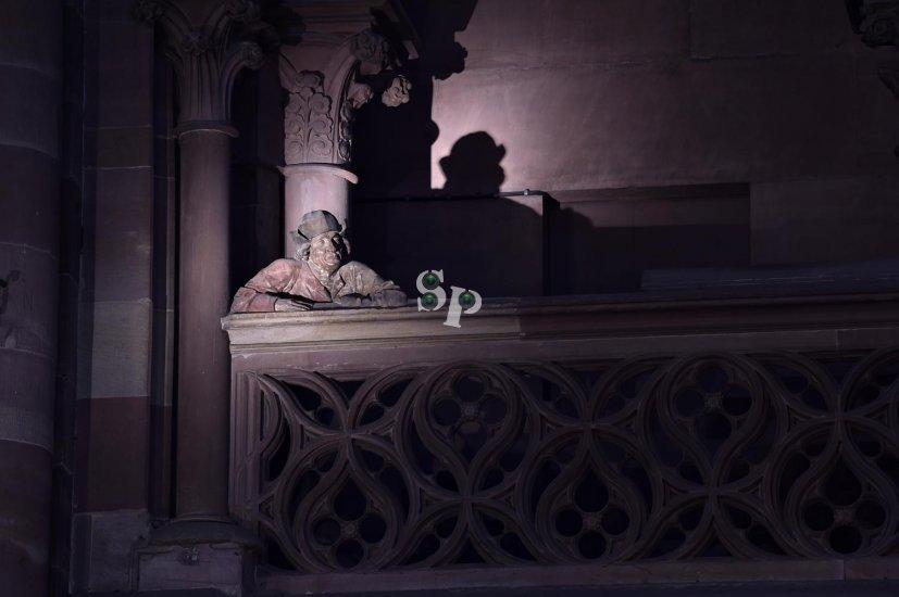 Cathédrale de Strasbourg, L'homme à la balustrade.