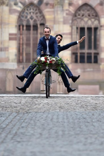 mariage gay strasbourg, séance engagement, vélo
