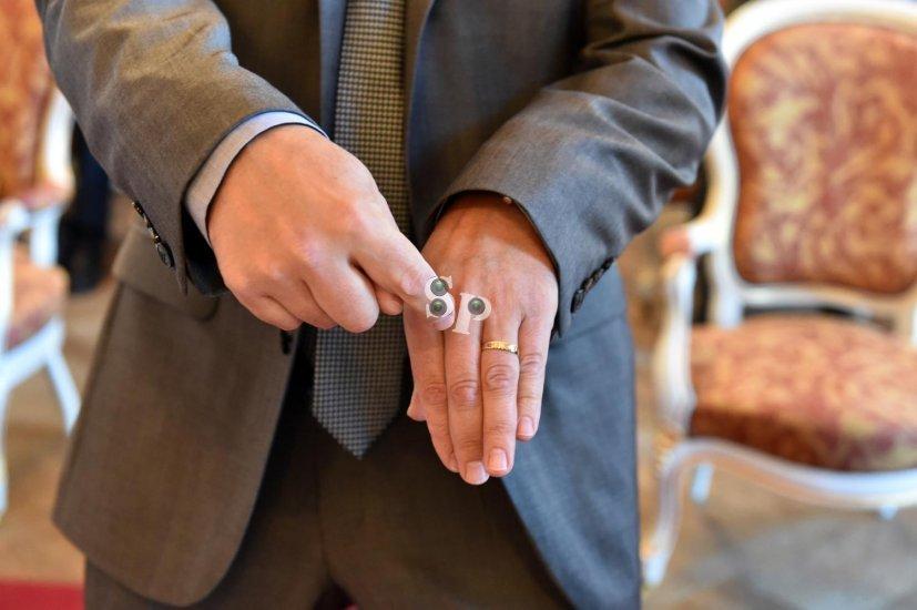 mains et mariage