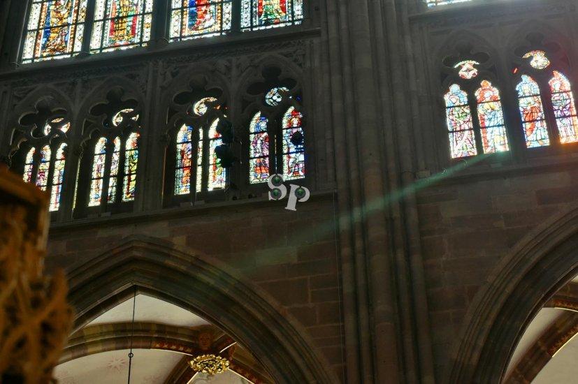 horloge dans la cathédrale de bourges